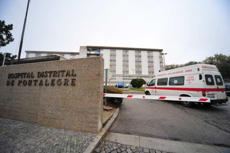 Morreu doente ao fim de três horas em ambulância. Hospital abre inquérito