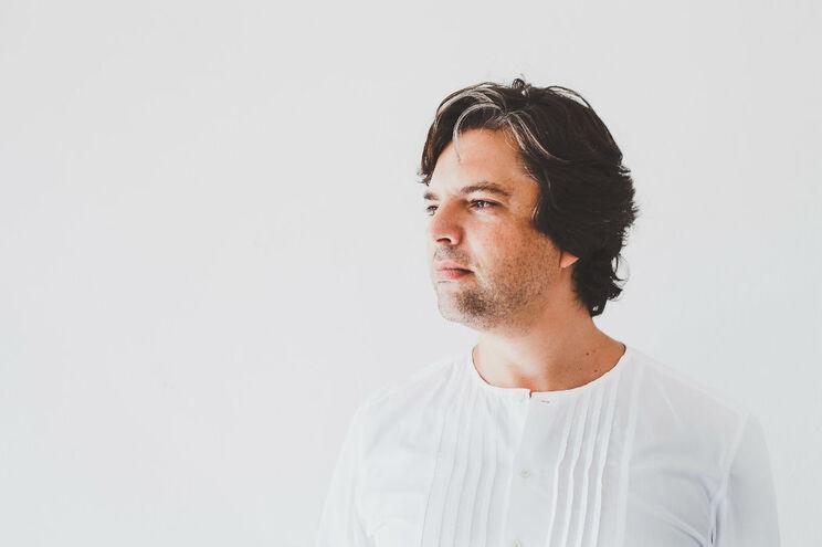 """Helder Bruno apresenta ao vivo o seu primeiro trabalho """"A presença, serena e terna"""""""