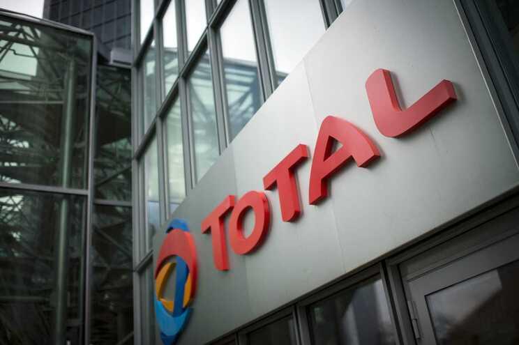 Petrolífera Total suspende operações em Moçambique após ataques armados