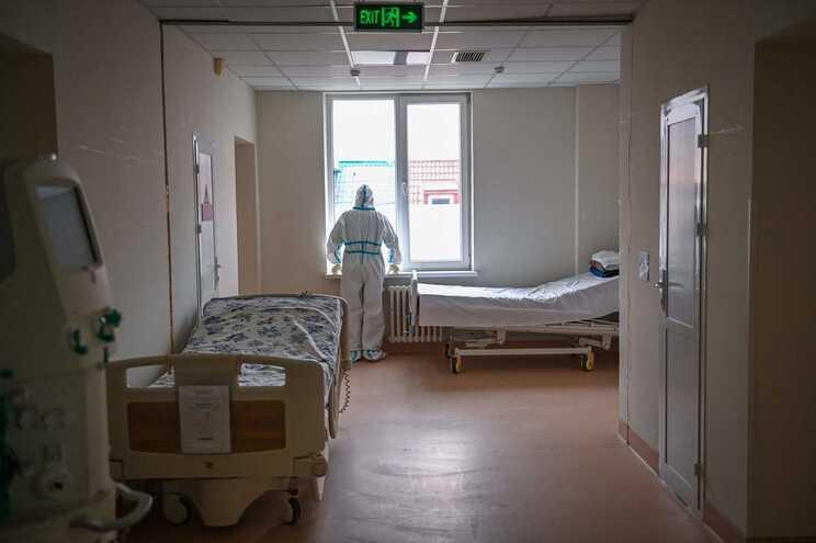 Os restantes cinco pacientes internados no mesmo local foram transferidos para outra unidade hospitalar