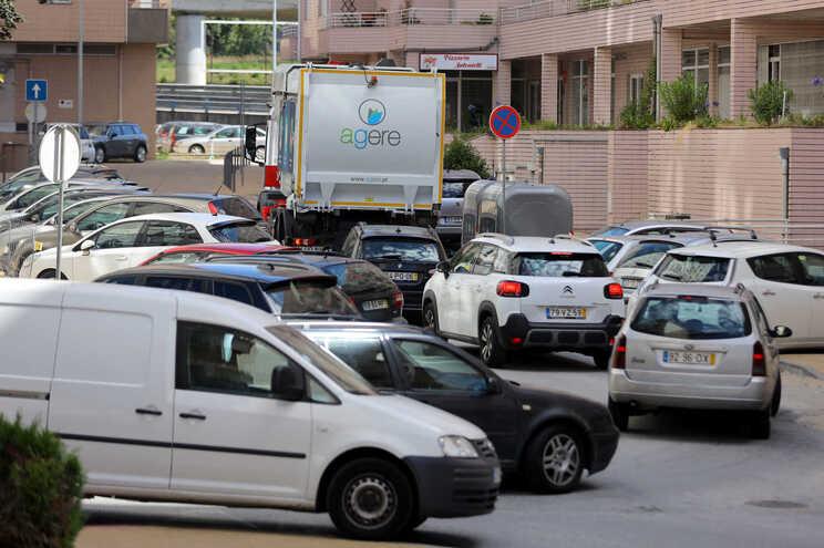 """""""Zona 30"""" está a deixar moradores e comerciantes com os nervos em franja"""