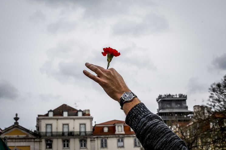 O desfile que celebra o 25 de Abril de 1974 regressou este domingo à Avenida da Liberdade, em Lisboa