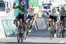 O ciclista irlandês Sam Bennett (Deceuninck-QuickStep), vence ao 'sprint' a 3.ª etapa da 47ª Volta ao