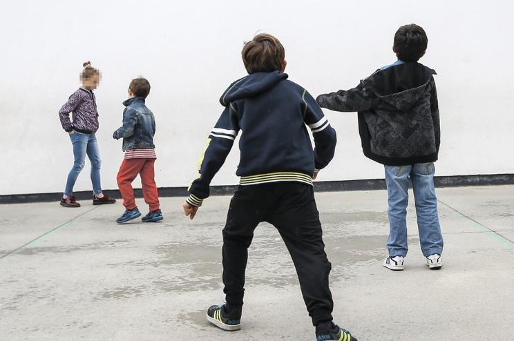 O bullying acontece sobretudo no recreio (60,4%), mas também em contexto de sala de aula (50,4%)