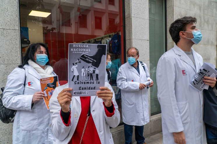 Os 140 mil profissionais do setor público foram convocados pela Confederação Estatal dos Sindicatos Médicos