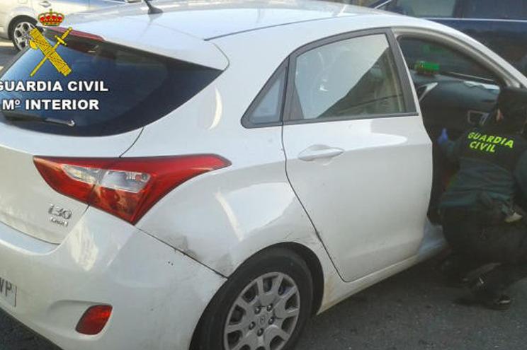 Português fugiu à polícia em carro roubado e com três drogas no sangue