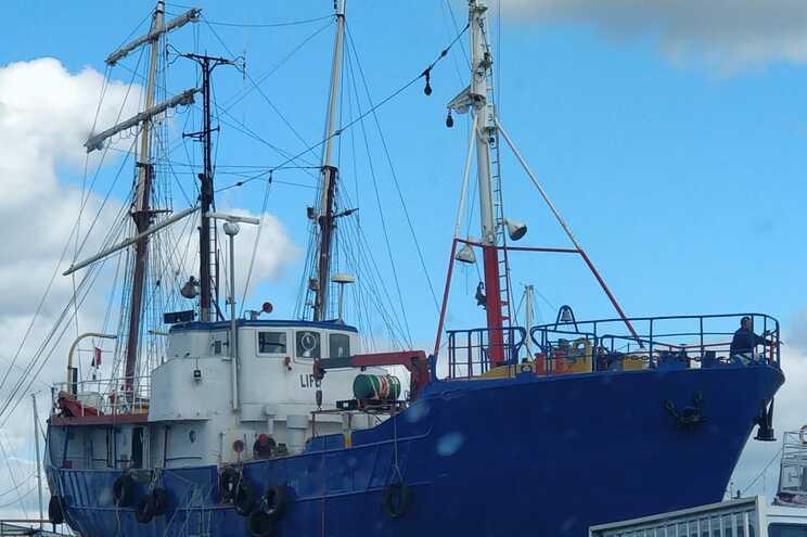 O barco foi modificado num estaleiro em Portimão, no Algarve