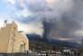 Pelo menos seis mil pessoas retiradas das proximidades de vulcão em erupção nas Canárias