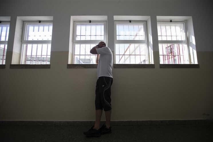 Crime de violência doméstica é cometido, em 5% dos casos, por homens