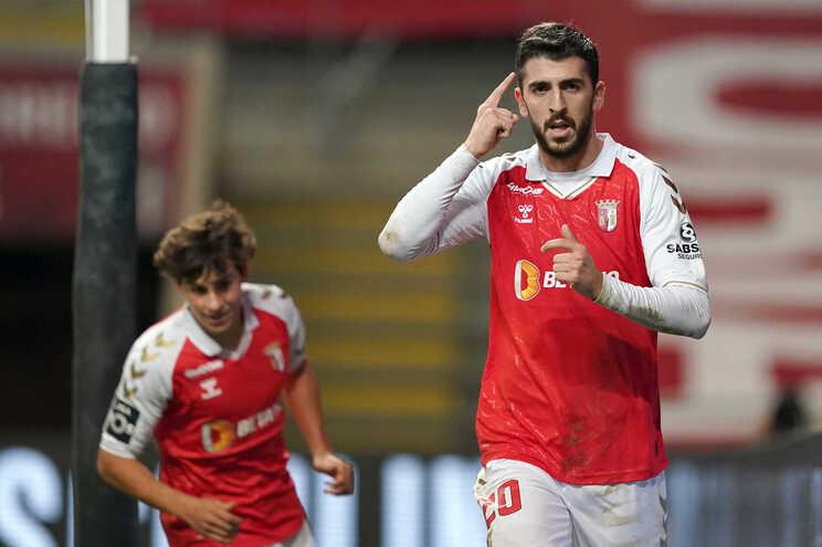 Paulinho é reforço do Sporting