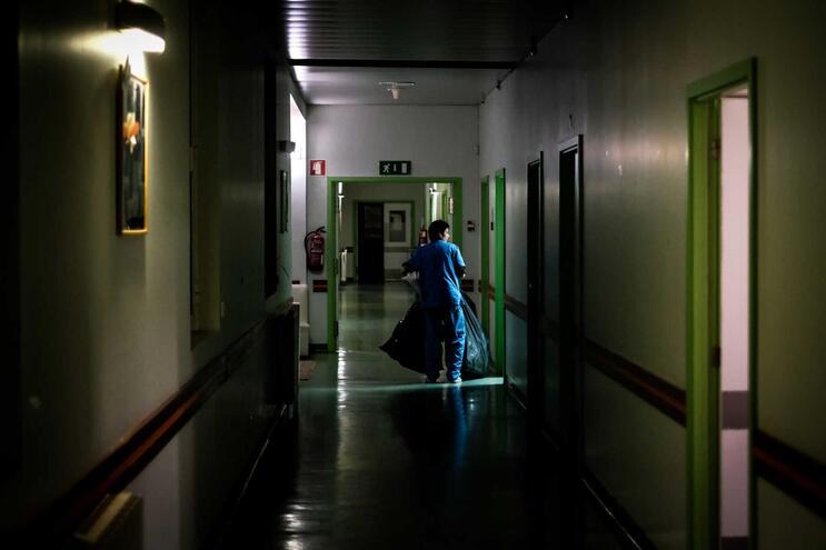 Documento já foi assinado por 492 médicos e enfermeiros