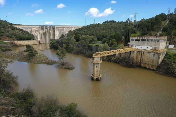 Venda de barragens à Engie provocou polémica
