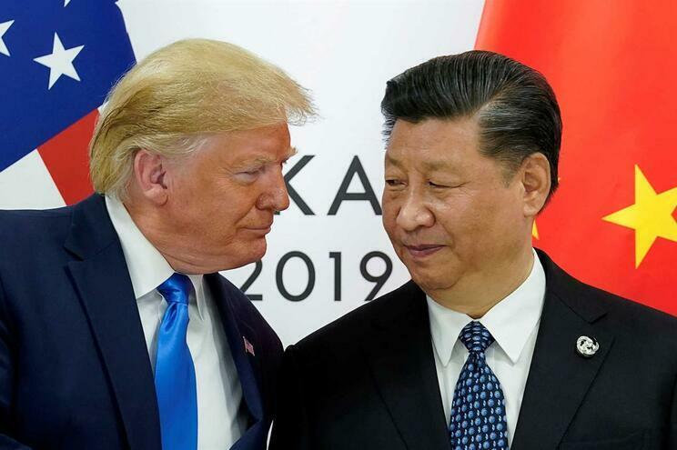 Estados Unidos e China suspendem novas tarifas de retaliação