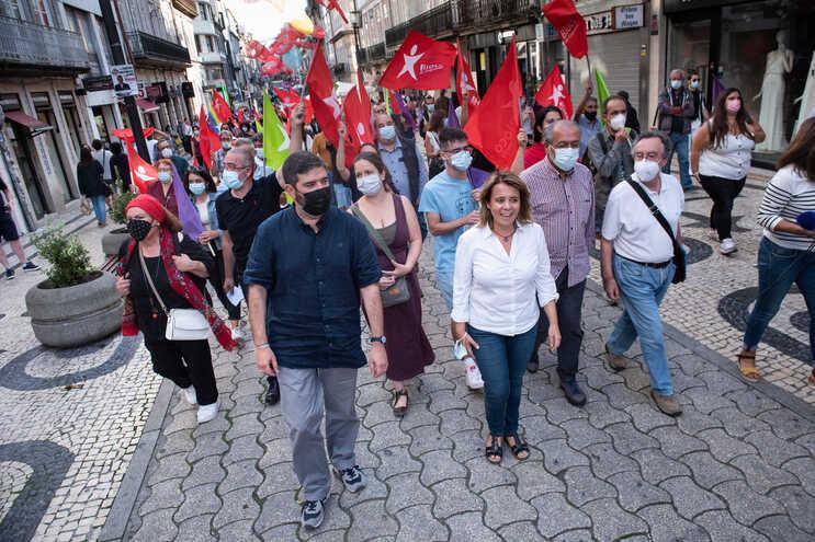 Catarina Martins mostra a Ventura que é seguro andar no Porto