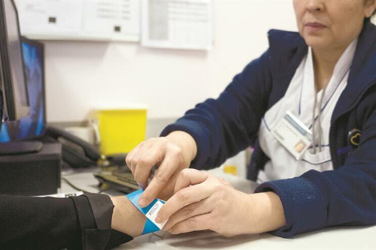 Regulador da Saúde denuncia erros na prestação de serviço a cidadãos estrangeiros