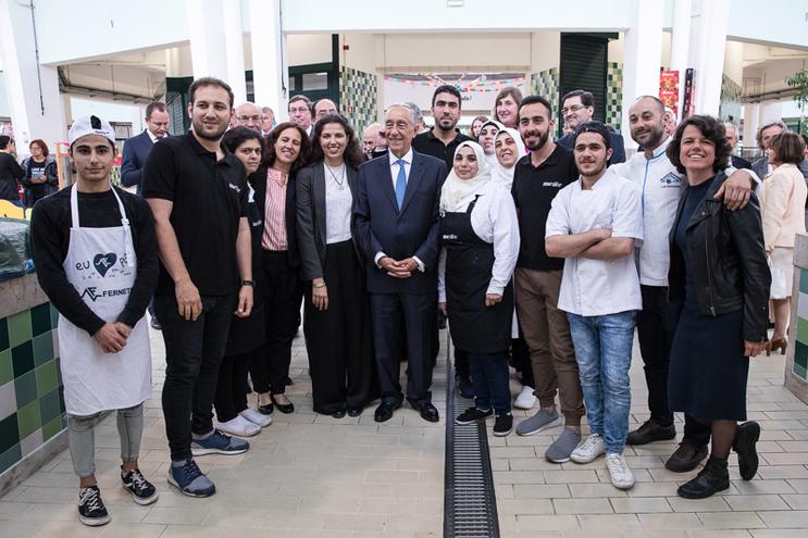 Marcelo Rebelo de Sousa fez-se fotografar com a equipa do Mezze, incluindo Yasser (segundo à esquerda