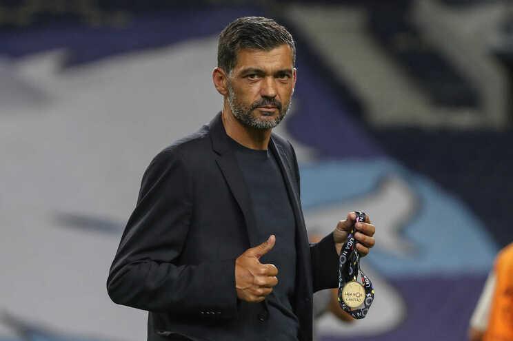 Sérgio Conceição ganhou dois título nacionais pelo F. C. Porto e esteve em três Champions, em quatro