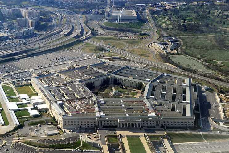 Polícia morre esfaqueado em ataque perto do Pentágono