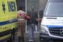 Liga dos Bombeiros diz que há doentes horas retidos nas macas em ambulâncias e que já houve uma morte