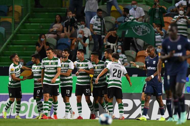 O Sporting defronta o Famalicão este sábado