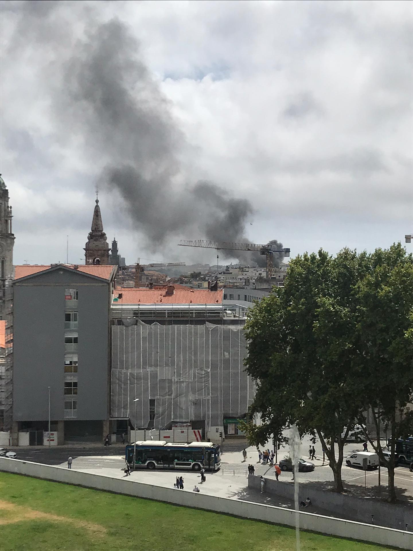 Incêndio deflagra no Palácio da Justiça do Porto