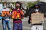"""Junto ao Ministério da Administração Interna, os participantes da vigília formaram as palavras """"criminosos"""""""