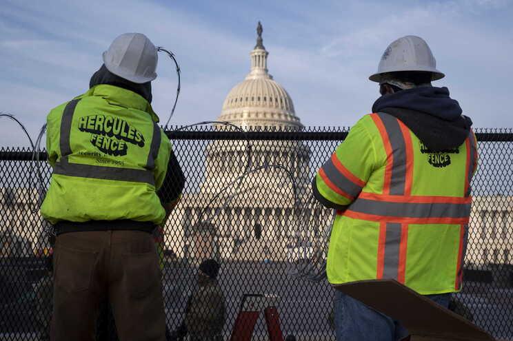 Segurança no Capitólio tem vindo a ser reforçada para a tomada de posse de Joe Biden