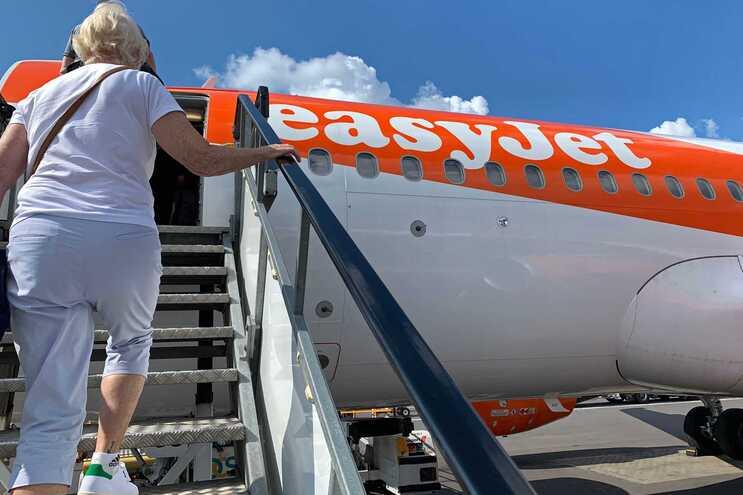 Pelas 15.50 horas, as ações da EasyJet desciam 6,07%