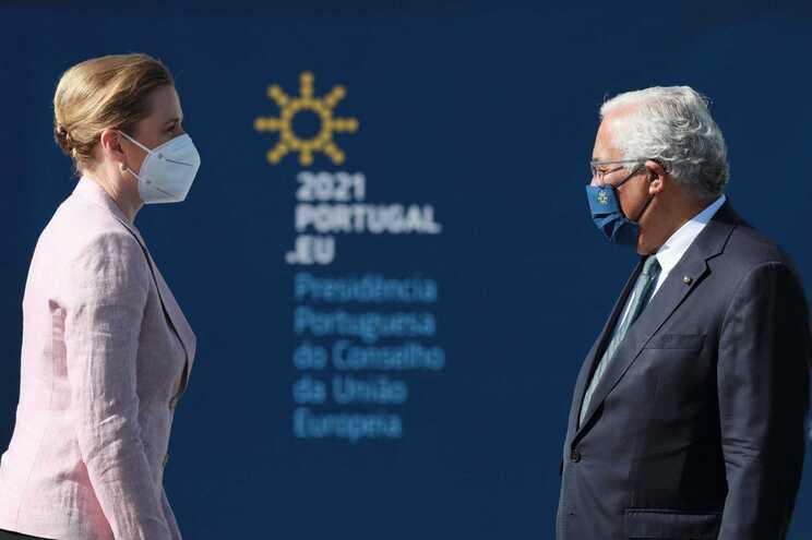 Líderes comprometem-se a aprofundar políticas sociais na Declaração do Porto