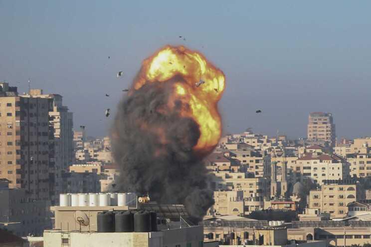 O exército israelita anunciou durante a noite pelo menos cinco ataques contra a Faixa de Gaza