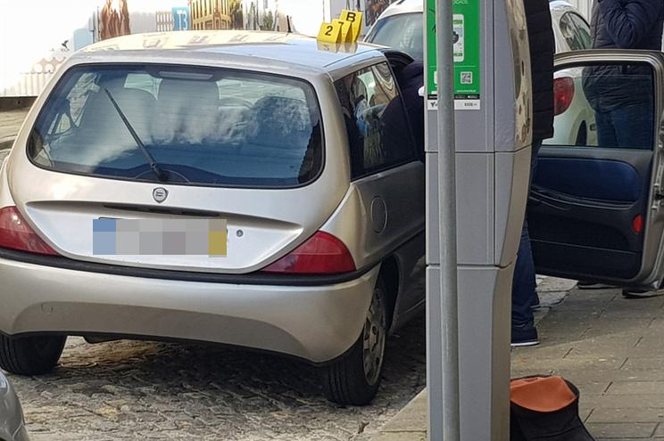 Dois fetos encontrados num carro estacionado em Espinho em 20 de janeiro de 2020