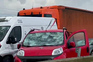 Queda de granizo destrói centenas de carros em Itália