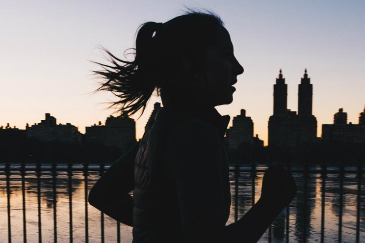 Jovem detida por cruzar fronteira dos EUA enquanto fazia jogging