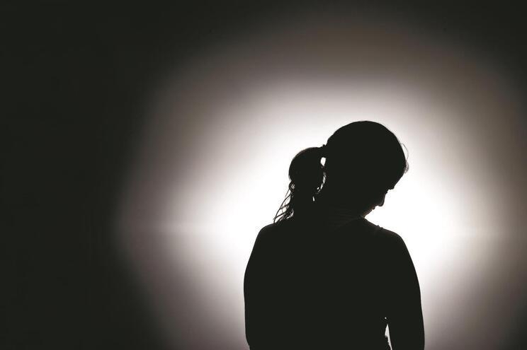 Violência física e psicológica começou logo após o casamento