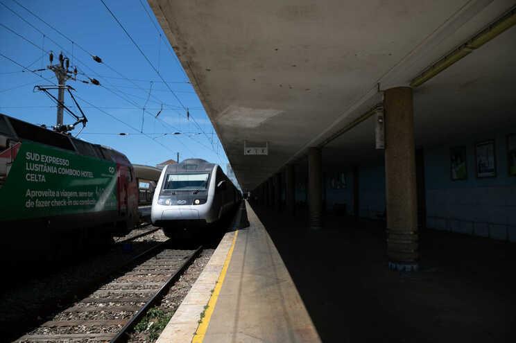 Os comboios Alfa Pendular, Intercidades, Internacional e os Comboios Históricos das Linhas do Douro e