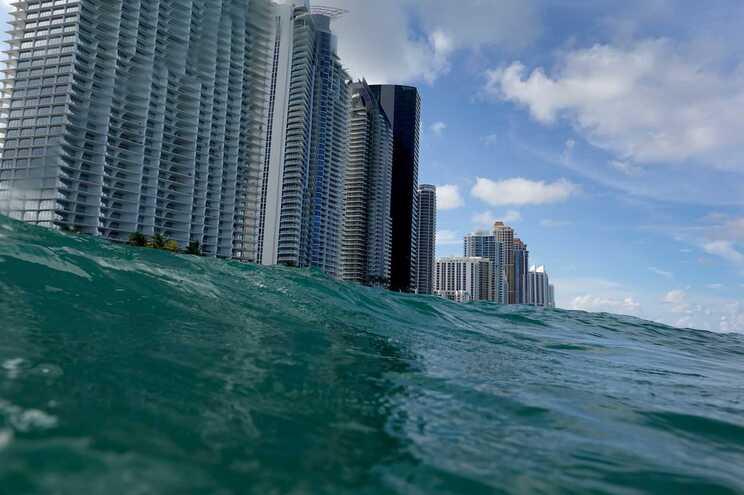 O nível do mar continua a subir, fixando-se pelo nono ano consecutivo um novo recorde