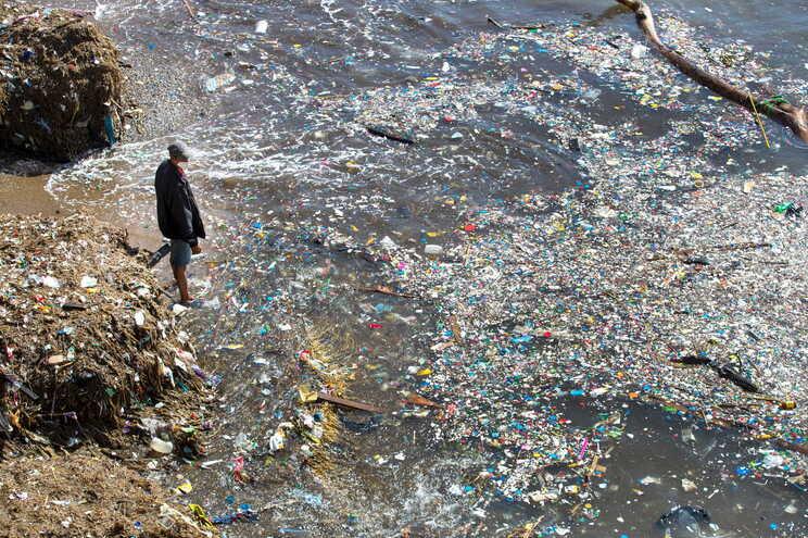 Relatório nomeia os maiores poluidores com plástico do Mundo