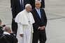 Papa Francisco na companhia do Presidente da República, Marcelo Rebelo de Sousa