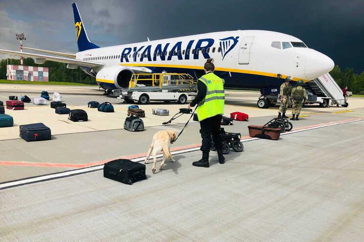 Força Aérea bielorrussa diz que não interferiu em voo da Ryanair