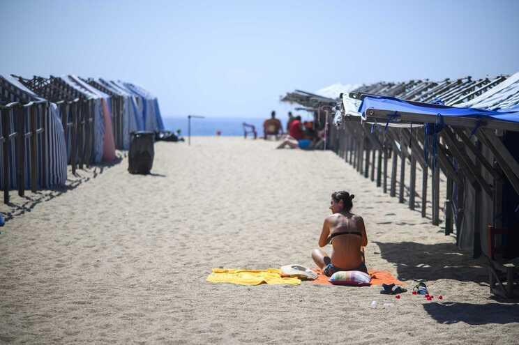 A época balnear começou a 12 de junho na maioria das praias