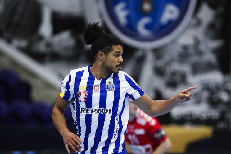 André Gomes, andebolista do F. C. Porto, vai representar o Melsungen