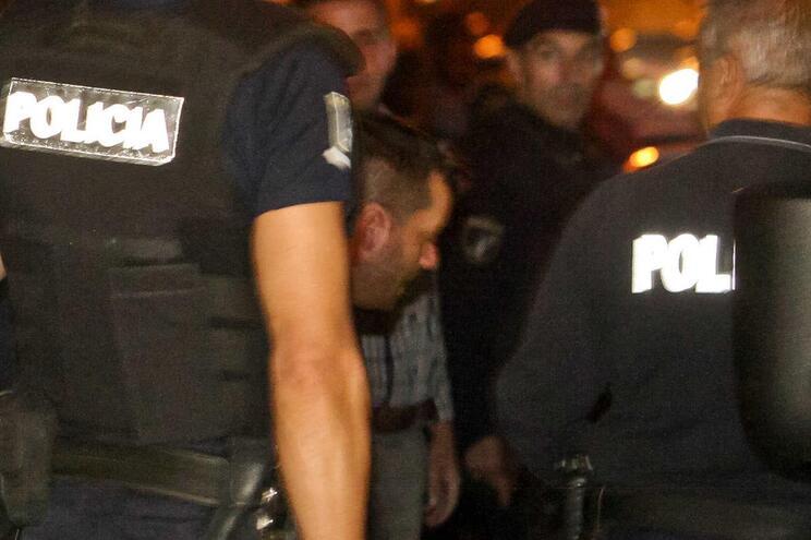 Homem que fugiu do Tribunal do Porto nega envolvimento em assalto na Feira