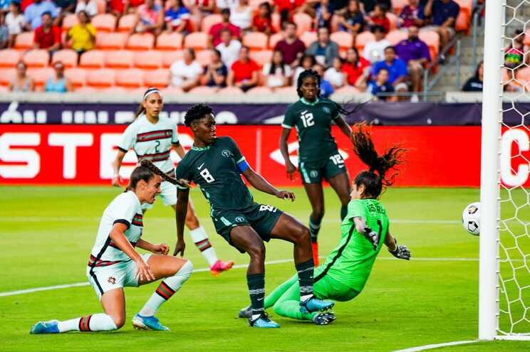 Seleção feminina de futebol desperdiça vantagens e empata com Nigéria