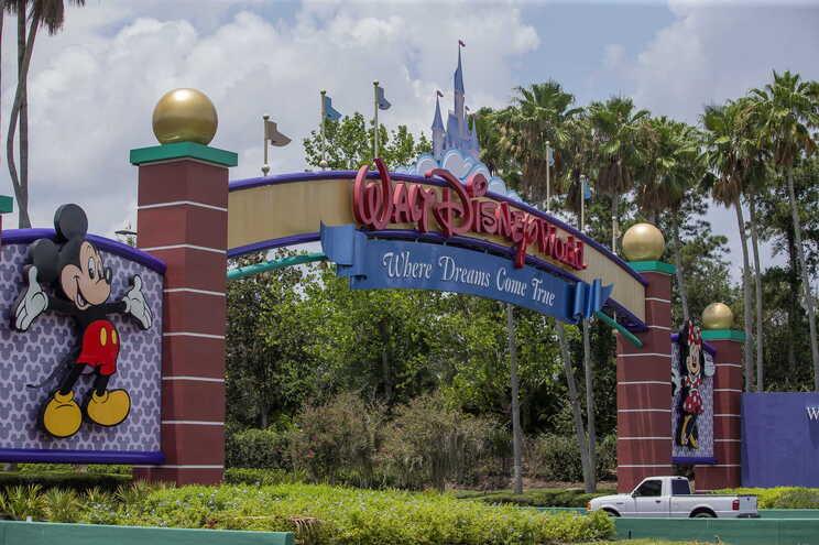 No final de setembro, a empresa já tinha anunciado a intenção de despedir 28 mil trabalhadores dos parques