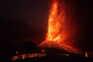 Vulcão entrou em erupção no domingo