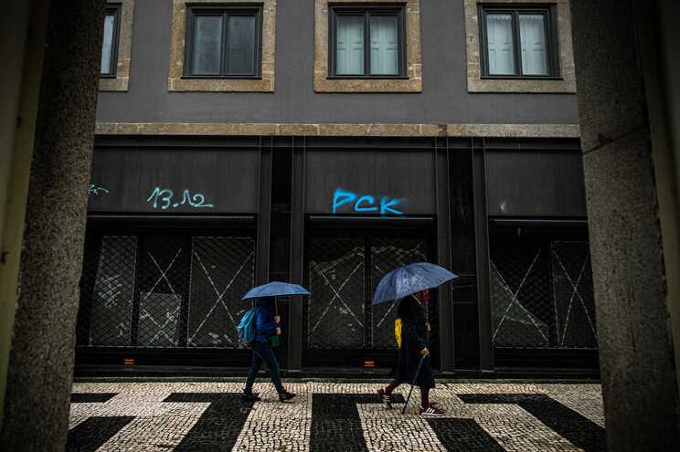 Depressão Gaetan instala-se hoje em Portugal: traz chuva e menos frio