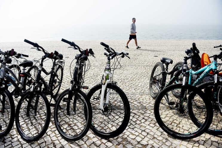 As bicicletas, que chegaram a esgotar em várias lojas e produtores, também viram o preço médio subir