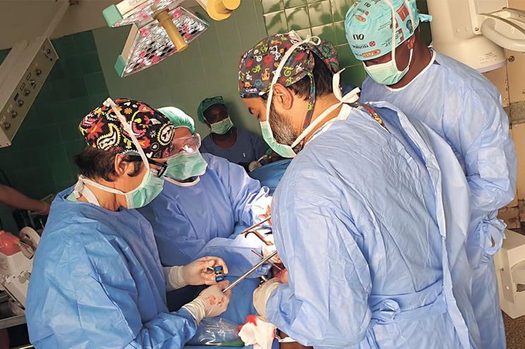 No Serviço Nacional de Saúde, 36 hospitais já reagendaram 30% das cirurgias e 40% das consultas
