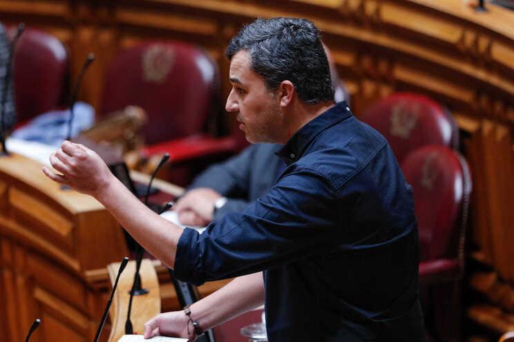"""André Silva abandona a vida política para """"apanhar comboio da paternidade"""""""
