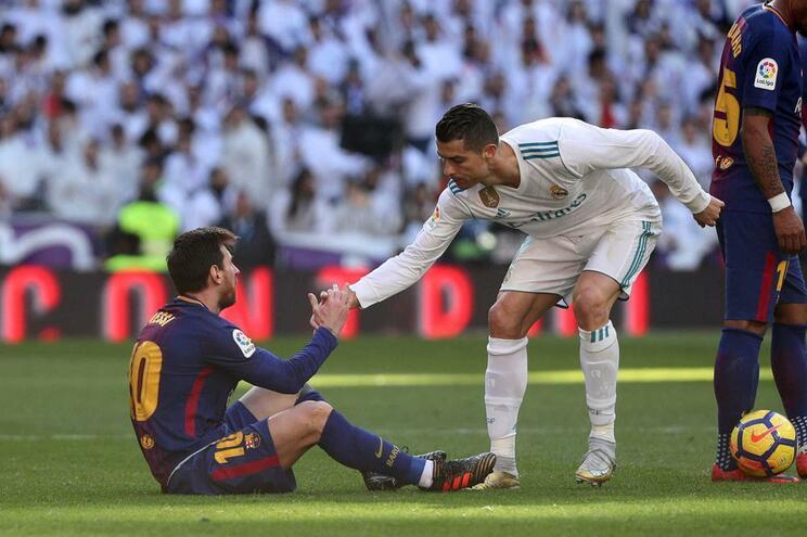 Cristiano Ronaldo diz que rivalidade com Messi faz deles melhores jogadores